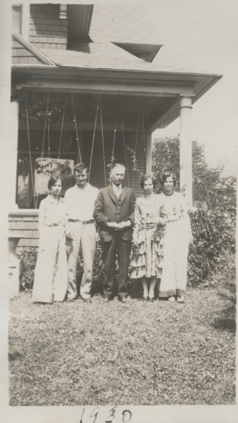 Miriam, Keith, Ronald, Vivian and Eddie 1930