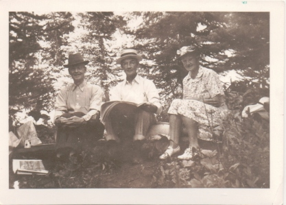 R.S. with his brother Alex (from Minnesota) and sister Nellie